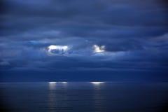 Stormiga moln ovanför Stilla havet Fotografering för Bildbyråer