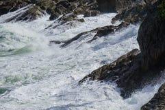 stormiga waves arkivbild
