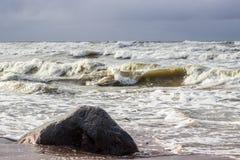 stormigt baltiskt hav Arkivbilder