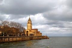 Stormigt hav i Gijon Fotografering för Bildbyråer