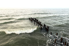 Stormigt mörkt bakgrundsfotografi för baltiskt hav Arkivbilder