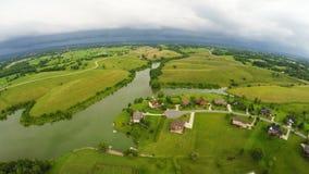 Stormigt väder över central Kentucky bygd arkivfilmer