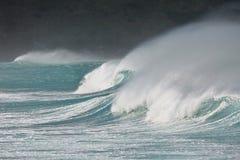 Stormigt vågavbrott Royaltyfri Fotografi