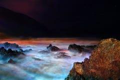 stormigt vatten för natt Royaltyfri Fotografi