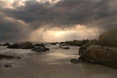 stormsolnedgång Arkivbild
