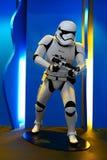 Stormtrooper akcji postać od gwiezdnych wojn obraz stock