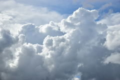 Stormy clouds sunlit Royalty Free Stock Photography