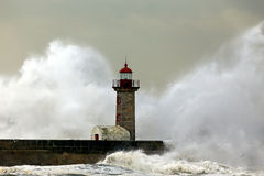 Stormy waves over lighthouse Royalty Free Stock Photos