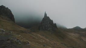 Storr的老人在薄雾-定期流逝,斯凯岛,苏格兰小岛的  股票录像
