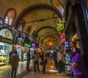Storslagen basar i Istanbul, Turkiet royaltyfri fotografi