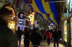 Storslagen basar Istanbul Turkiet Arkivbild