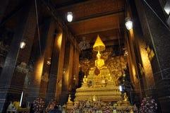 Storslagen Buddha guld Hall Thailand Arkivfoto