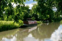Storslagen facklig kanal, Northamptonshire, UK Arkivbild