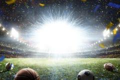 Storslagen fotbollarena för tom natt med exponeringen royaltyfri fotografi