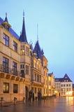 Storslagen hertiglig slott i den Luxembourg staden luxembourg Royaltyfria Bilder