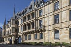 Storslagen hertiglig slott - Luxembourg Royaltyfria Bilder