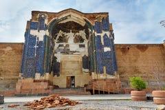 Storslagen ingång som slösar moskén i Tabriz Östligt Azerbajdzjan landskap iran arkivbild