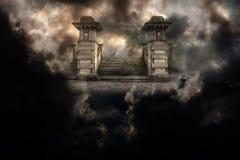 Storslagen ingång till himmel eller helvete Arkivfoto