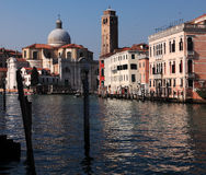 Storslagen kanal i Venedig Arkivfoto