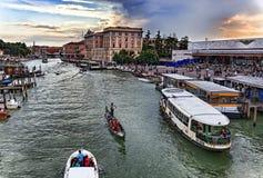 Storslagen kanal i Venedig Royaltyfria Bilder