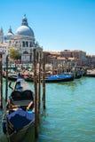 Storslagen kanal i venice, Italien Royaltyfri Fotografi