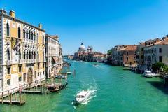 Storslagen kanal i venice, Italien Fotografering för Bildbyråer
