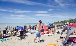 Storslagen krökning Ontario, Kanada - Juli 02, 2016: Oidentifierat folk Royaltyfria Foton