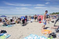 Storslagen krökning Ontario, Kanada - Juli 02, 2016: Oidentifierat folk Royaltyfri Fotografi