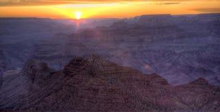 storslagen liggandesolnedgång för kanjon Royaltyfri Fotografi