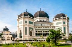 Storslagen moské Medan arkivbild