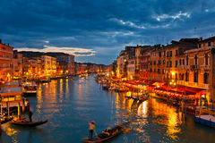 storslagen natt venice för kanal Royaltyfria Foton