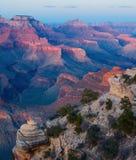 storslagen np-solnedgång för kanjon Arkivfoton