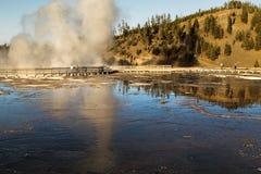 Storslagen prismatisk vår på den Yellowstone nationalparken, WY, USA Arkivfoto