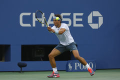 Storslagen Slam för tolv gånger mästare Rafael Nadal under semifinalmatch på US Open 2013 mot Richard Gasquet Royaltyfri Fotografi