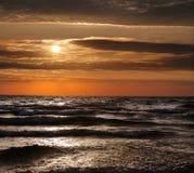 storslagen tillflyktsortlakemichigan solnedgång royaltyfria bilder
