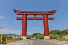 Storslagen Torii port av den Saijo Inari relikskrin, Okayama, Japan Royaltyfria Bilder
