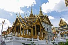 Storslagen verklig slott, Bangkok thailand Royaltyfria Bilder