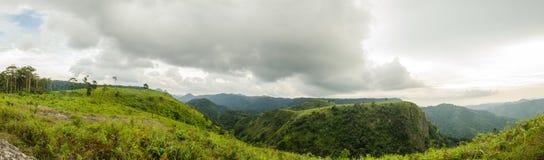 Storslaget berg, Thailand Royaltyfri Fotografi