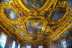 Storslaget råd Palazzo Ducale Doge& x27 för tak; s-slott Venedig Italien Royaltyfri Fotografi