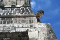 Storslagna Ballcourt detaljer i Chichen Itza, Mexico Royaltyfria Foton