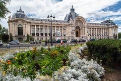 Storslagna Palais Paris Frankrike Royaltyfri Fotografi