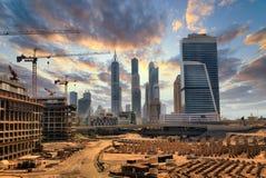Storstilad konstruktion i Dubai Royaltyfria Bilder