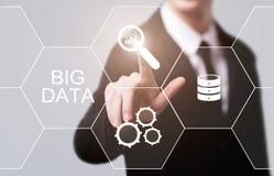 Stort begrepp för information om affär för informationsteknik om datainternet Arkivfoton