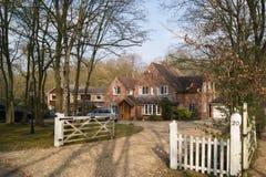 stort engelskt hus Arkivfoto