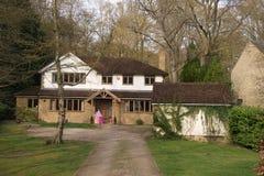 stort engelskt hus Royaltyfri Fotografi