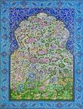 Stort exempel av islamiska kulturhistoriska tegelplattor med modeller och blommor Royaltyfri Fotografi