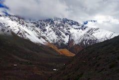 Stort färgrikt berg Royaltyfri Foto