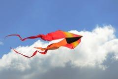 Stort färgrikt drakeflyg Arkivfoton