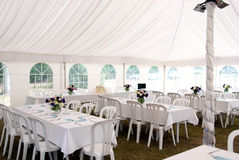 stort festtältbröllopwhite Royaltyfria Bilder