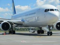 stort flygplan Royaltyfri Foto